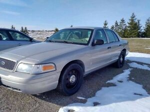 2011 Ford Crown Victoria SEL Sedan
