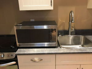 LG Microwave - almost new