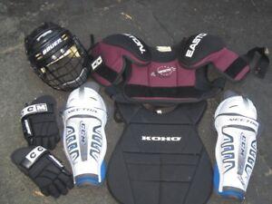 équipement hockey (casque, épaulette, jambière, gants) JUNIOR
