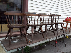 HARD TO FIND SET OF 4 SOLID BAR TABLE CHAIRS 1950'S $80.00