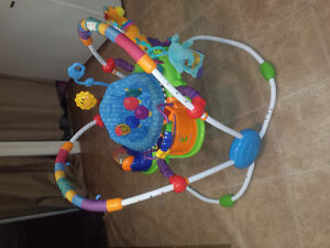 Exerciseur musicale baby einstein