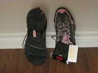 Womens safety shoes, size 8, never worn