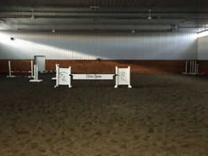 Horse Stable Heated Arena 140X80'  35min south Edmonton