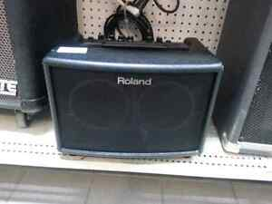 Roland Acoustic Chorus. We sell used Instruments. Get a Deal!