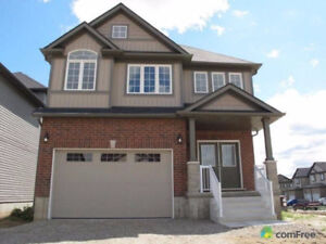 FURNISHED & CARPET HOUSE IN KITCHENER SHORT TERMS