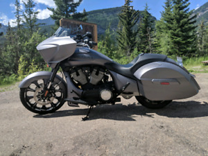 2016 Victory Magnum Stealth X-1. Extremely low kms