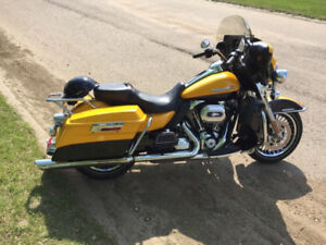 2013 Electra Glide  Ultra Unlimited 110th Anniversary Edition
