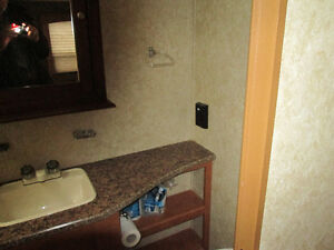 2013 Gulf Stream Kingsport 270 RL Travel Trailer Kitchener / Waterloo Kitchener Area image 14