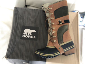 Sorel Women's Conquest Carly II Winter Boots (Brown)