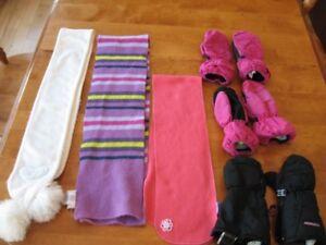 Lot de 31 vêtements pour fillette (Taille 4, en lot ou 0.5$/unit