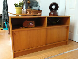 Danish record player / turntable teak cabinet