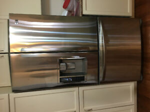 LG Stainless Steel Refridgerator Freezer for sale. Great Shape