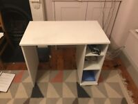 Desk in good condition **Free**