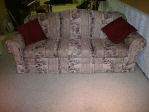 couch and matching loveseat Kitchener / Waterloo Kitchener Area image 1