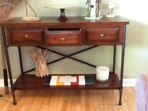 Solid wood console table. Smoke free