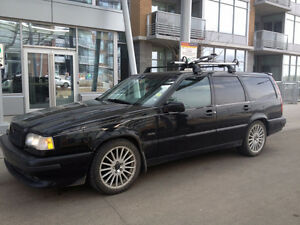 Black Volvo 850 Wagon Type T-5R Turbo