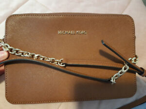 New Michael Kors leather purse 60.00 firm