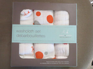 Aiden and Anais brand new muslin wash cloth set