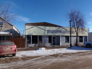 Commercial property and home for sale in heart of Onoway!