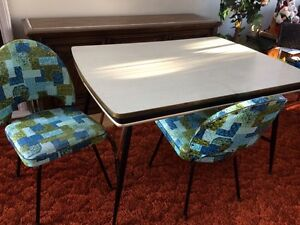 Retro Kitchen Table & 2 Sweet Chairs