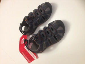 boys Youth Size 3 sandal/shoes