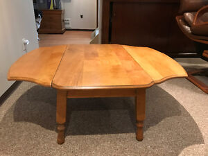 Solid maple wood coffee table with extendable wings