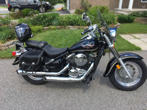 Low Milage Expertly Maintained Kawasaki Vulcan 800 Classic