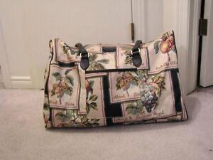 Print Zippered Bag Overnight Bag