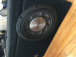 """10"""" Pioneer subwoofer in box"""