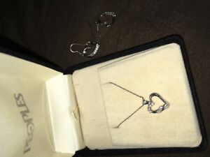 10k heart shaped necklace. Perfect for Christmas!
