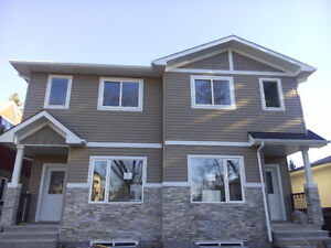 New Duplex at Bonnie Doon- Easy Access to University