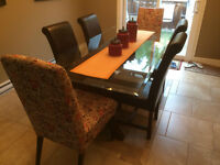 6 Dining Room Chairs Excellent Condition Barely Used