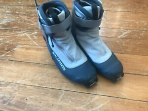 Salomon Youth  Cross X-Country Ski Boots