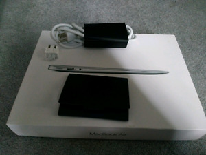 2013 macbook Air 13 in the box, 7-9 hrs of battery  charge!