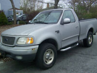 1999 Ford  4X4  F-150 XLT Coupe (2 door)