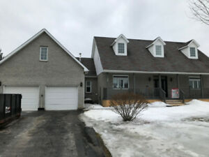 Immaculate Detached Bungalow in Clarington, Ontario