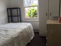 Wonderful Rooms in the lovely WEST HAMPSTEAD very well connected, short walk to tube ZONE 2