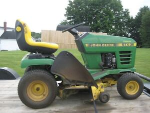 John Deere Ride on Mower
