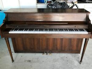 PIANO DROIT WHITNEY BY KIMBALL