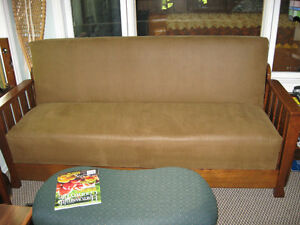 CIRCA 1910 MISSION OAK DAVENPORT DAYBED SOFA