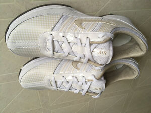 Ladies Nike Air Golf Shoes Size 7 Wide