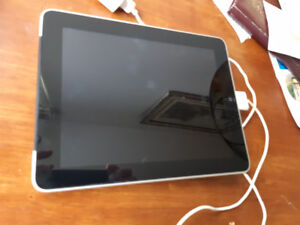 "APPLE IPAD 64GB MODEL A1337 11""SCREEN WITH PROBLEM IT WORKS-25$"