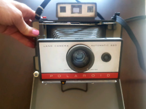 Polaroid Land Camera 220