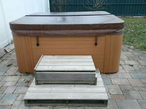 7-8 persons ARUBA Hot Tub for sale