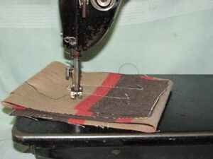SEWING MACHINE INDUSTRIAL SINGER-LEATHER