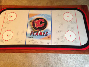 2006-07 Calgary Flames Autographed Poker Table