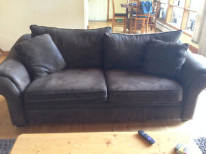 3 Seater Couch/Sofa - 1500$ From Sears - Excellent Condition Peterborough Peterborough Area image 1