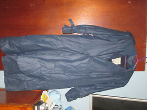 London Fog size 8 Petite dress raincoat with removeable liner