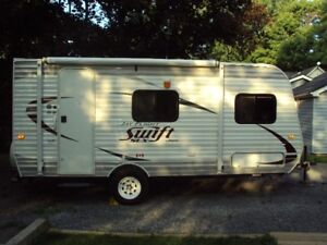 like new JAYCO 18.5 FT trailer