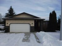 Welcome to this great Drayton Valley Home (3940-49 Avenue)